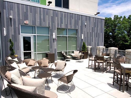 Marriott Courtyard Vinings - Deck
